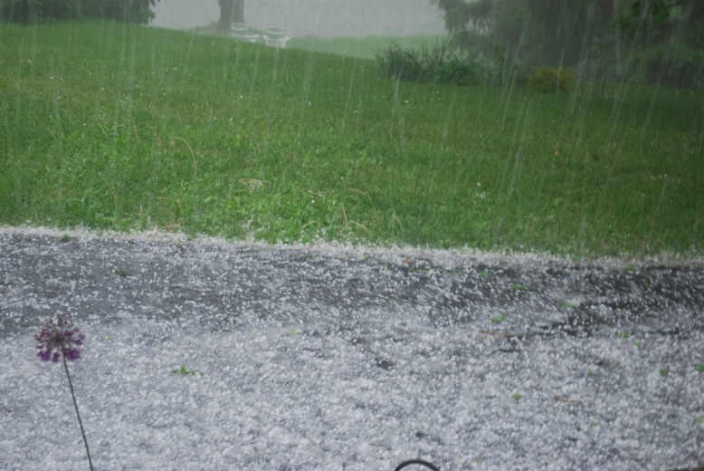 Hailstorm_in_Dutchess_County,_New_York
